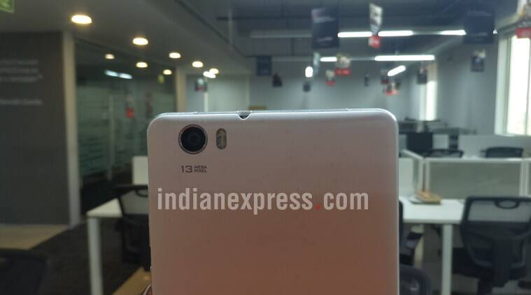 Lava V5 comes with a 13MP ISOCELL image sensor from Samsung and it is the USP of this product