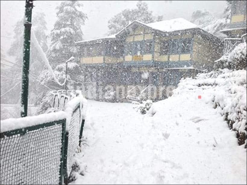 Snowfall, Snow, Heavy Snowfall, Snowfall in Shimla, Snowfall in Himachal, Heavy Snowfall in Shimla, First Snowfall of Season, Snowfall in Shimla pics