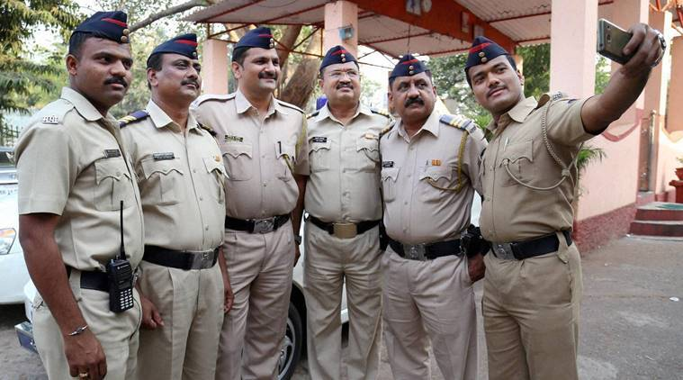 Thane Police, Selfies, Cellphone, Mobile, India