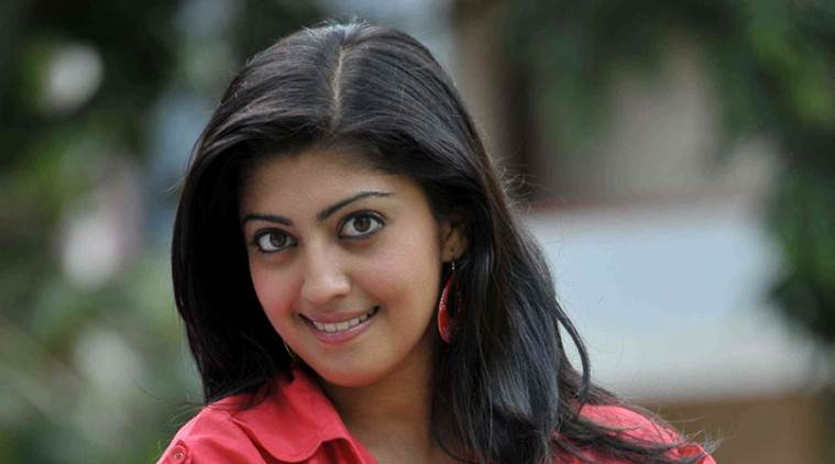 Actress Pranitha injur...