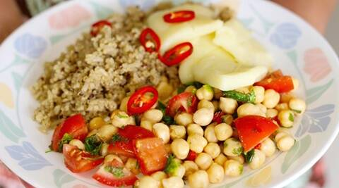 Quinoa, halloumi and chickpea salsa salad 3