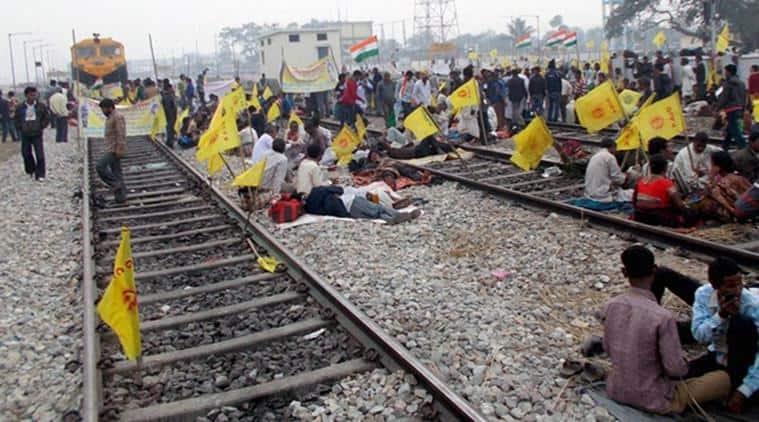mumbai, mumbai rail roko services, mumbai rail roko, mumbai railways, mumbai railways delay, indian express news, mumbai news
