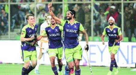 HIL 2016: Rupinder Pal Singh hits form, Delhi make semis