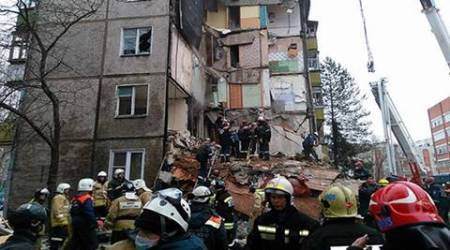 Seven dead as gas blast in Russia collapses building