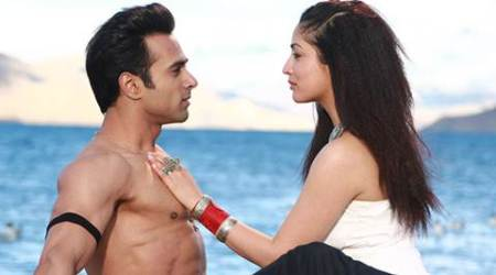 Sanam Re box office collections: Pulkit, Yami's film beats Katrina's Fitoor, earns Rs. 5.04 cr