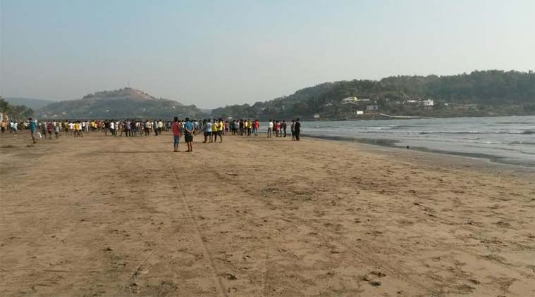 sea beach, pune, pune students drowmned