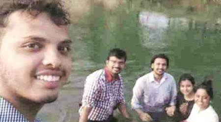 karnataka, selfie, karnataka selfie, karnataka students trip, students drown, student drown taking selfie, bengaluru news, karnataka news, india news