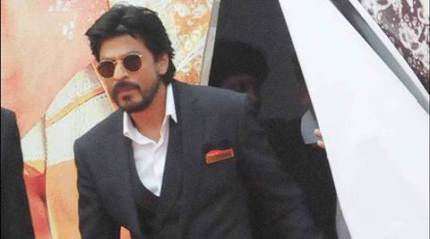 Shah Rukh Khan's car stoned in Ahmedabed, none injured