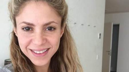 Shakira celebrates birthday with no-makeup selfie