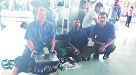 Life on the Local: The shoeshine boys on platforms