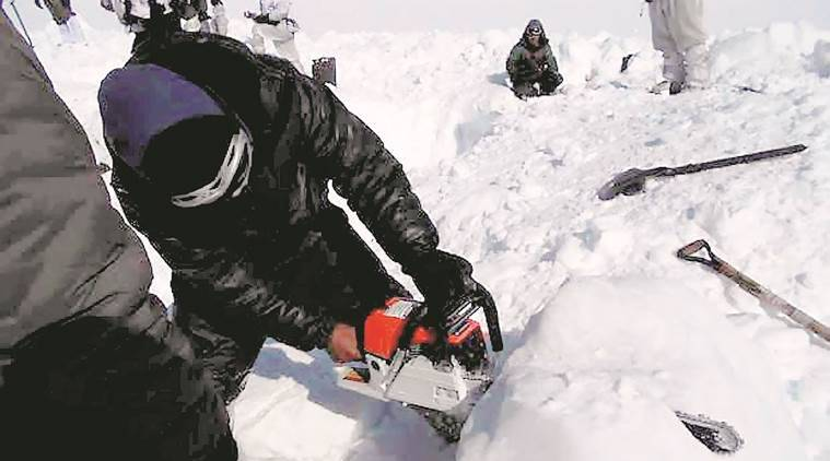 siachen alive soldier, Siachen avalanche, siachen glacier, siachen, army in avalanche, indian army, indian army in siachen, jammu and kashmir, soldiers, kashmir avalanche, landslide in Kashmir,