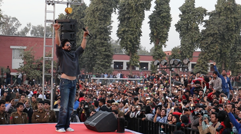 Students protest at Shah Rukh's event in Delhi