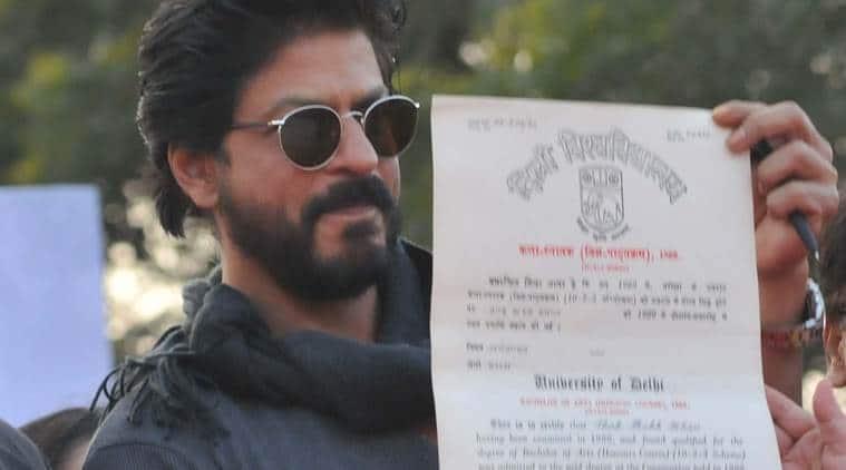 Shah Rukh Khan Fan 2016 Wallpapers: SRK Finally Receives Graduation Degree From Hansraj