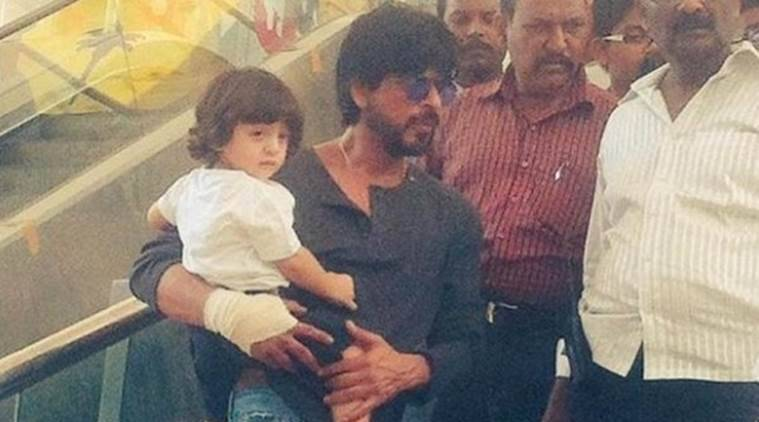 Shah Rukh khan, AbRam, Shah Rukh khan Abram, SRk Abram, SRK Son Abram, raees, Raees Shoot, Shah Rukh Khan Raees, SRK Raees, SRK in Raees, Raees GujARAT Shoot, Entertainment news