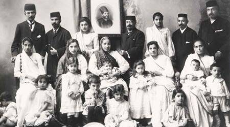 What do old family photographs tell us about the history ofwomen?