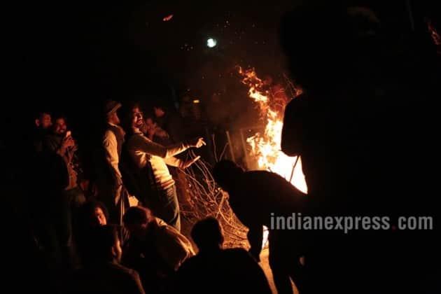 jnu, jnu row, nju protest, latest in jnu, latest in jnu protest, umar khalid, jnu umar khalid, five arrested in jnu, jnu pictures, jnu protest pictres