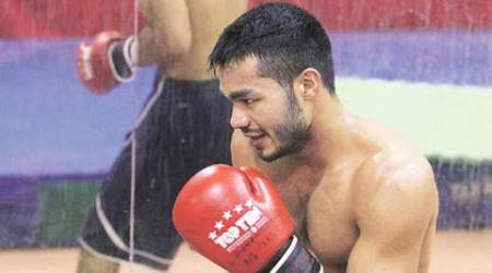In bid to qualify for 2016 Rio Olympics, Vikas Krishan takes pro-boxing route
