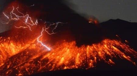 Explosive eruptions: Sakurajima volcano in Japanerupts