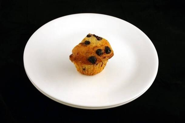 200 calories_blueberry muffin_wisegeek