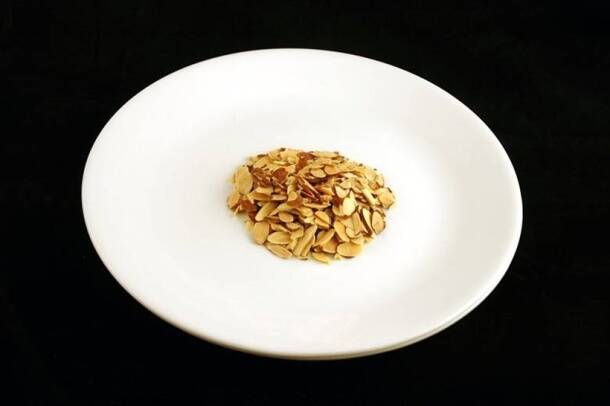 200 calories_cliced toasted almonds_wisegeek