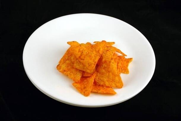 200 calories_doritos or nachos_wisegeek