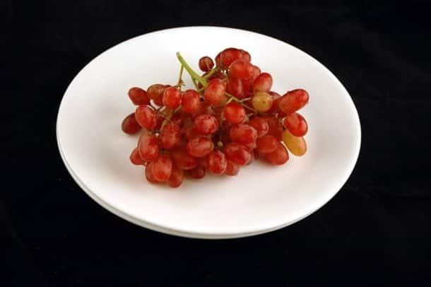 200 calories_grapes_wisegeek