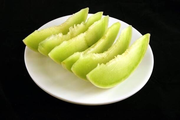 200 calories_honeydew melon_wisegeek