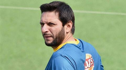 ICC World T20: Javed Miandad blasts Shahid Afridi for 'India  love'