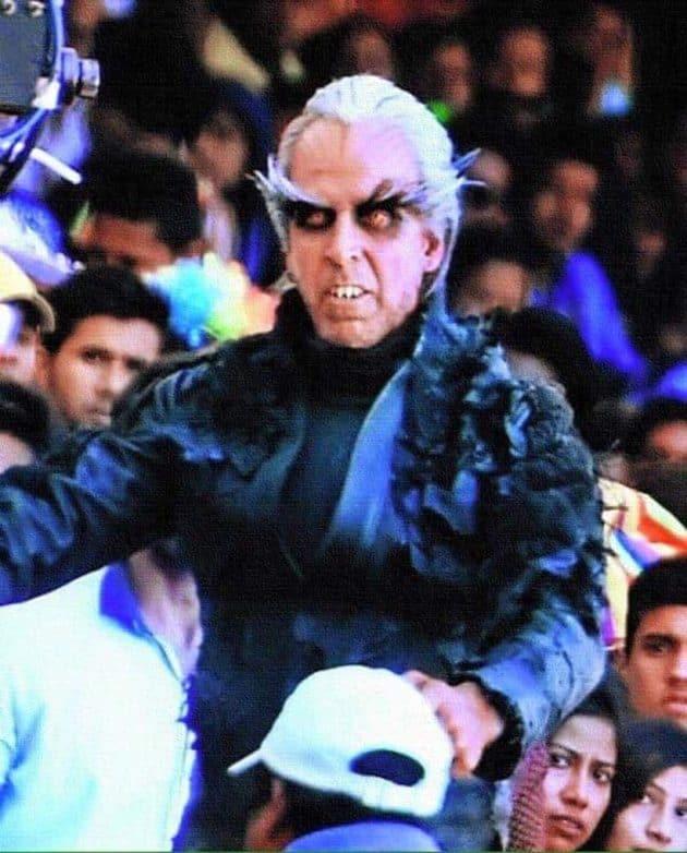 singing sonu nigam, Rishi Kapoor, Rishi Kapoor news, sonu nigam, Sonu Nigam video, akshay kumar, 2.0, rajinikanth, akshay kumar 2.0, akshay 2.0, akshay kumar enthiran, akshay kumar 2.0 first look, rajinikanth, kapoor & sons, shah rukh khan, raees, fan, Amitabh Bachchan, paa, Vikram, I, Riteish Deshmukh, Humshakals, Kamal Hassan, Chachi 420, Dashavatar, Indian, Hrithik Roshan, Dhoom 2, entertainment, unrecognisable actors
