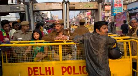 Delhi cops hunt hoax bomb threat caller