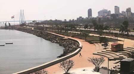 mumbai hyperlocal, residents of bandra, Bandra Kurla Complex, kalanagar, bike races in mumbai, bike races in kalanagar, bike races in BKC, mumbai news