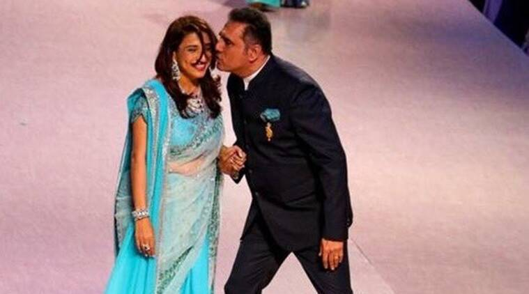 Boman Irani, Boman Irani Ramp, Boman Irani Walked Ramp, Boman Irani Ramp Cancer Patients, Boman Irani Wife ramp, Boman Irani Zenobia Ramp, Boman Irani With Wife Walked Ramp, Entertainment news