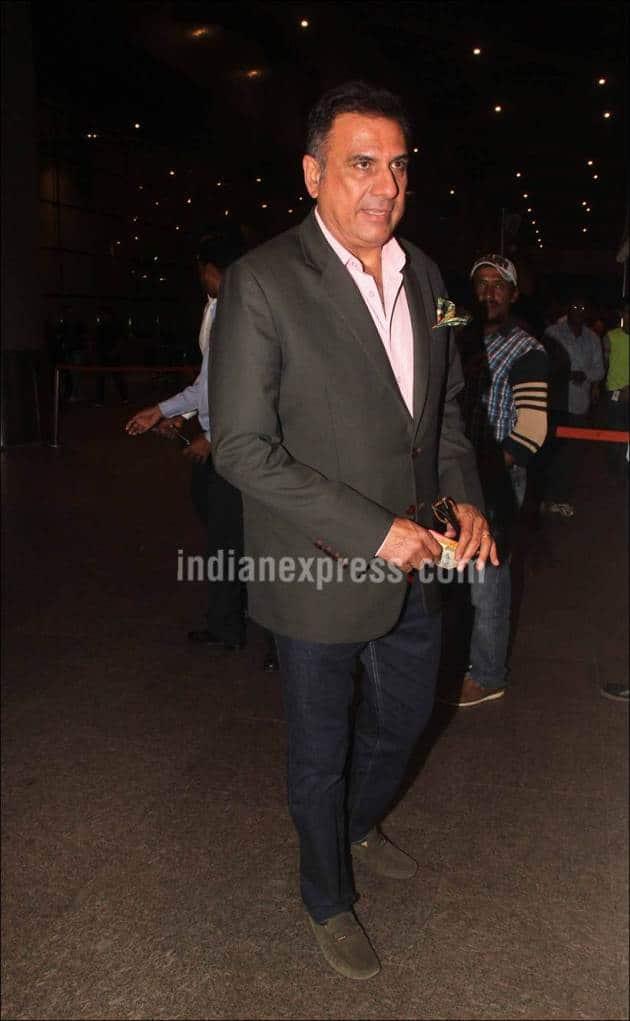 Salman Khan, kareena Kapoor, Karisma Kapoor, Parineeti Chopra, Raveena Tandon, Varun Dhawan, Sonu Sood, Randeep hooda, Salman pics, airport Spotted, Mumbai airport, Celebs at airport, celebs snaps