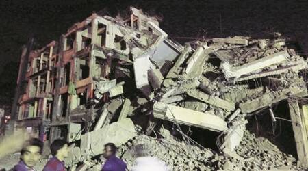 Building collapses, narrow escape for 11 inMatunga