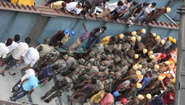 Kolkata flyover kolkata,Kolkata flyover, Kolkata flyover collapse, flyover collapse, Flyover collapse in Kolkata, kolkata flyover accident, flyover accident in kolkata, Kolkata, Kolkata news, latest news kolkatar collapse, kolkata bridge collapse, news, kolkata news, india news