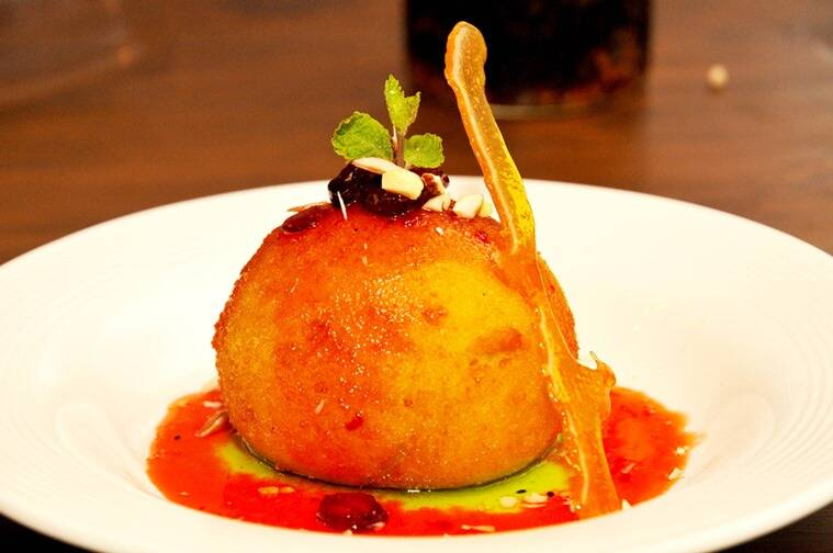 Fried Ice cream at Tolly Tales. (Photo: Debajyoti Chakraborty)