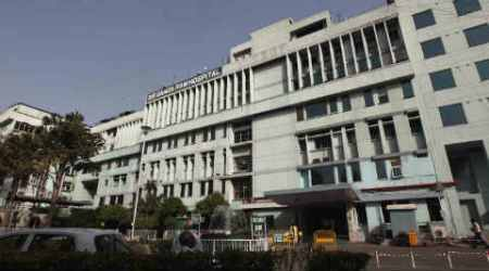 Ganga Ram Hosp signs MoU for collaborations in clinical care, training KIMS doctors