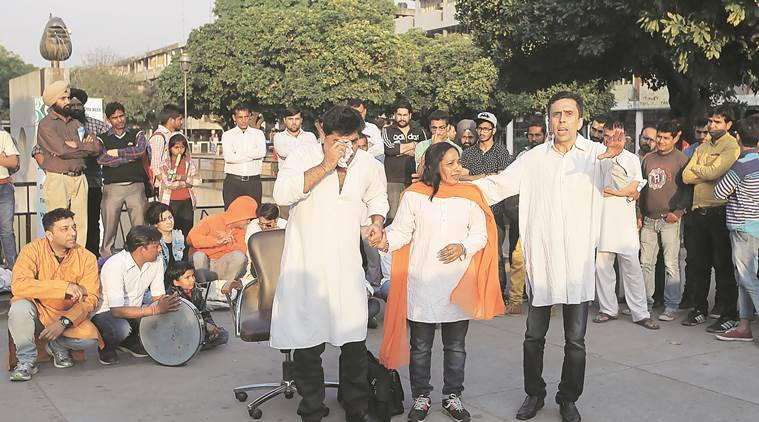 """Artist staged the play """"Ujjale ke or"""" for awareness on Gulucoma during concluding day of the World Gulucoma week at plaza of sector 17 Chandigarh on Wednesday, March 09 206. Express photo by Jasbir Malhi"""