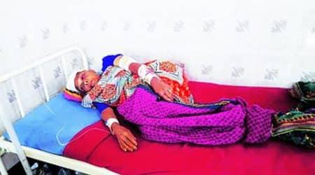 Gujarat: 60-year-old tribal woman fights offleopard