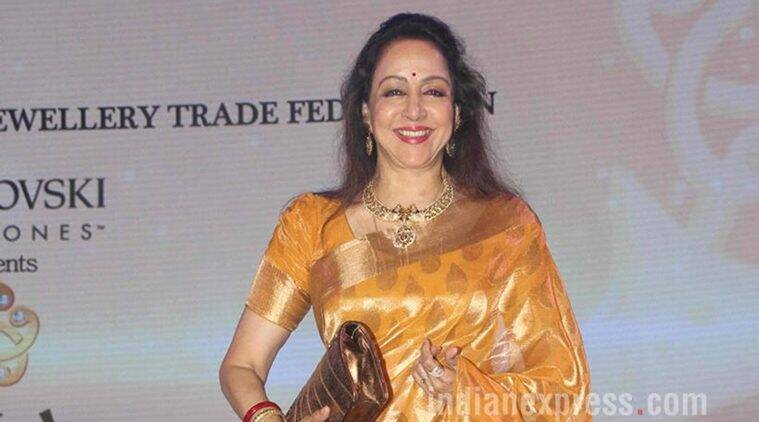 Hema Malini, Older Actresses in Bollywood, older Actresses in Hollywood, Hema Malini Roles, Hema Malini films, Entertainment news