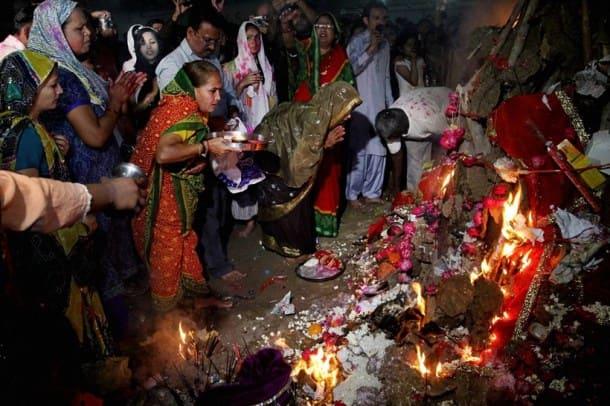 Happy holi, Holi, Holi pakistan, holi pakistan photos, pakistan holi photos, Holi pics, Holi images, holi photos, holi 2016, holi photos 2016, india phtoos, pakistan photos