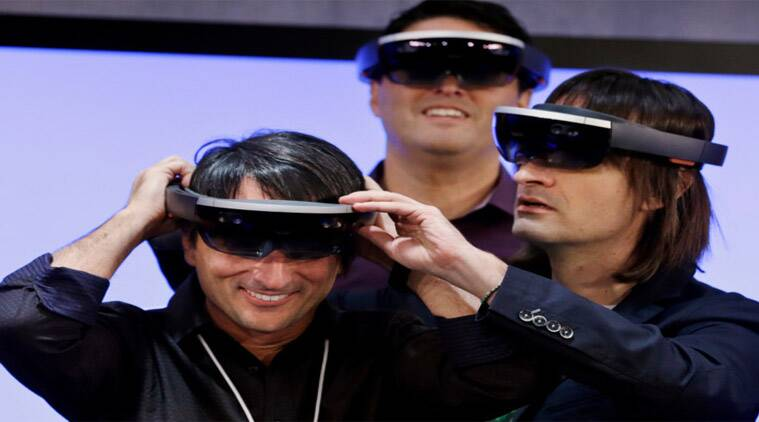 Microsoft, Hololens, Hololens price, buy Hololens, Hololens shipment, Facebook, Oculus Rift, Virtual Rift, VR, virtual reality, Windows 10, Intel, smart glasss, technology, technology news