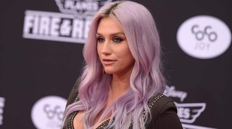 Kesha, Kesha Boyfriend, Kesha in Bahamas, Kesha Cosy with Boyfriend, Kesha Gets Cosy, Kesha Dr Luke, Entertainment news