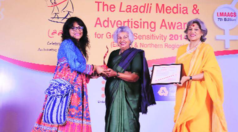 The Indian Express journalist Pritha Chatterjee receives the award for best investigative story. Express