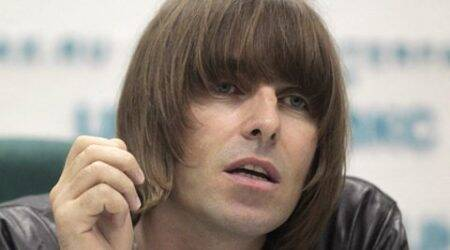 Liam Gallagher takes up yoga, wants to visit Indiasoon