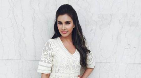 Lisa Ray denies lip surgery, hits back at detractors