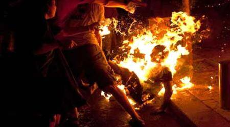 Tibetan self-immolates in China, Tibetan self-immolates, vidoe of Tibetan self-immolatating, World news, Internaitional news, World news China, China and religion, China and Tibet, China human right violantions, China buddhist, China Buddhist rights, latest news