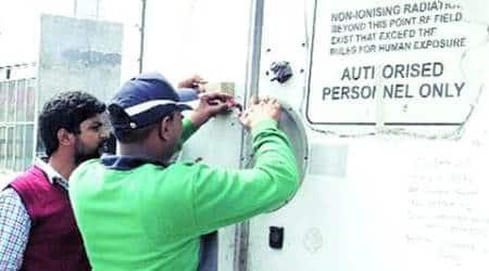 Ludhiana: Crores pending from telecom companies, MC begins sealingtowers
