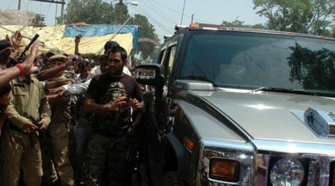 Ms Dhoni S Hummer H2 Mistakenly Registered As Mahindra
