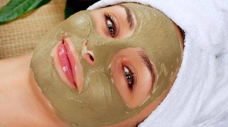 oily skin, skincare, skincare tips, skincare tips for oily skin, tips for oily skin, how to take care of oily skin, cleanser, moisturiser, moisturising, exfoliating, makeup, touch-up, face masque, whiteheads, blackheads, acne, pimples, face wash, dead skin cells